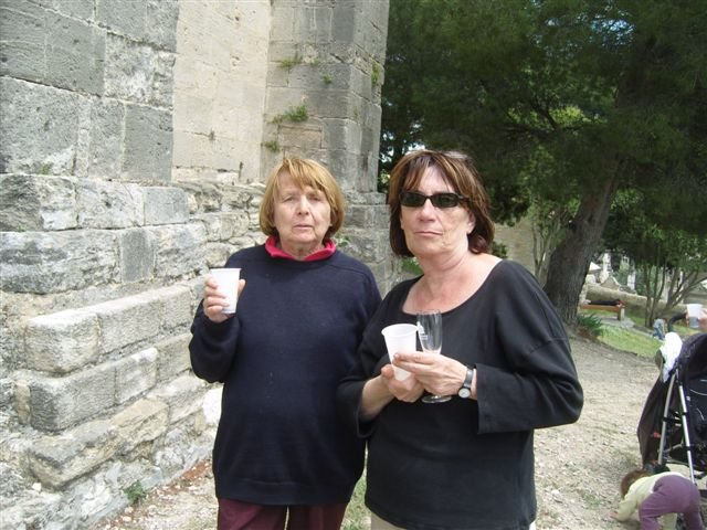 Mme Chauvin et Mme Sales